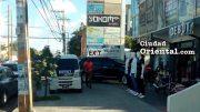 Muerto Juancito, las aceras de la avenida Venezuela son invadidas por automovilistas.