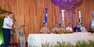 Mesa de honor de la graduación