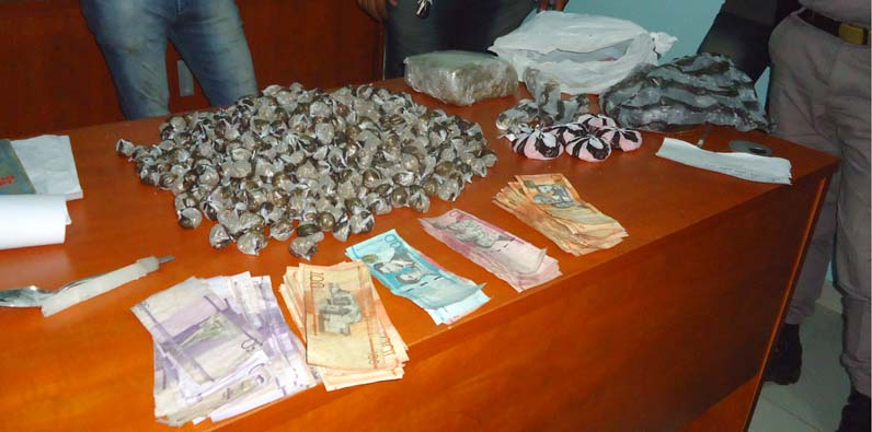 Dinero y drogas incautada
