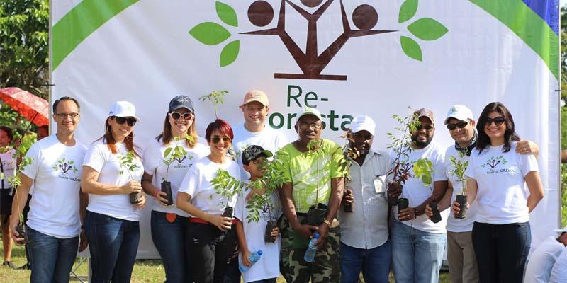 Gildan reforesta en San Luis