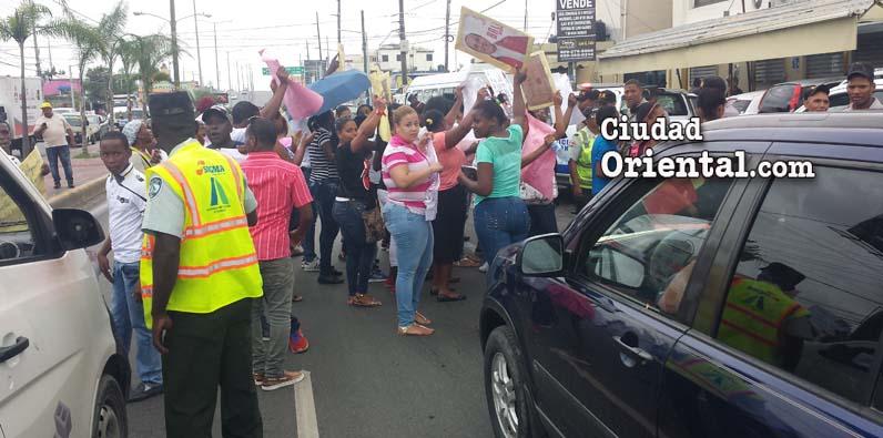 La manifestación generó un cao en el tráfico de vehículos.