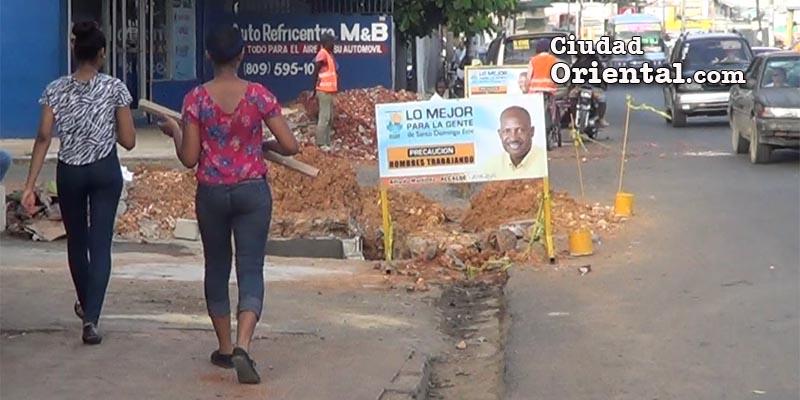 Photo of El Ayuntamiento pone en riesgo seguridad de los peatones en SDE