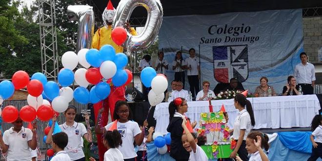 Photo of Colegio Santo Domingo festeja por todo lo alto sus 70 años