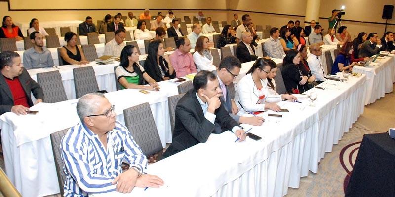 Participantes en el foro