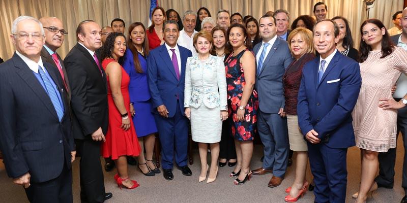 Photo of Cámara de Diputados recibe la visita de Adriano Espaillat