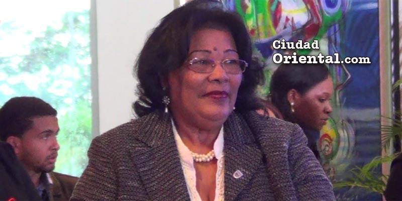 Photo of Ana Tejeda considera alcalde Alfredo Martínez es insuperable