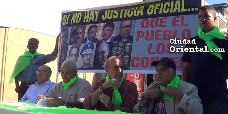 Photo of Izquierda Revolucionaria aboga por expropiación a los corruptos
