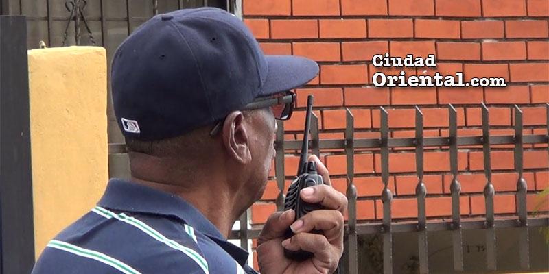 Photo of Vídeo – Así se defienden de los delincuentes en el Residencial El Trángulo de Alma Rosa II