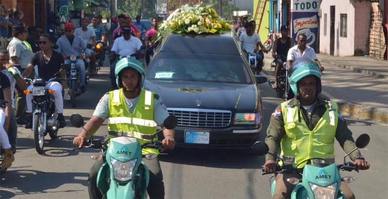 Photo of Sepultan con honores restos de agente de AMET asesinado