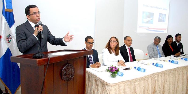 Photo of Andrés Navarro dice en MINERD trabajan para mayor transparencia recursos públicos