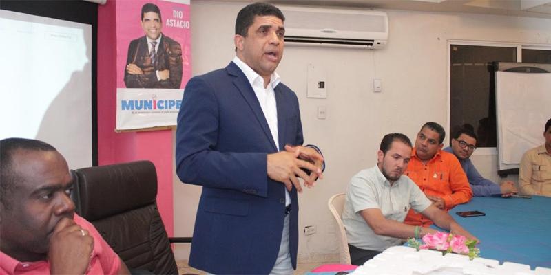 Photo of Movimiento Munícipes, que dirige Dío Astacio, celebra primeras elecciones en SDE