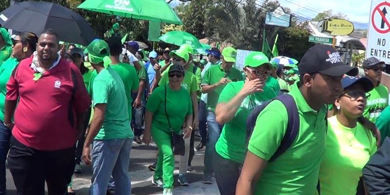 """Photo of Vídeo – Algunos """"verdes"""" creen que Danilo Medina debe renunciar a la Presidencia"""