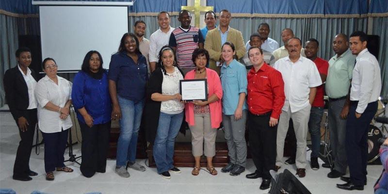 Photo of Operación Bendición Internacional reconoce labor Iglesia Tabernáculo de Salvación y Alabanza de RD