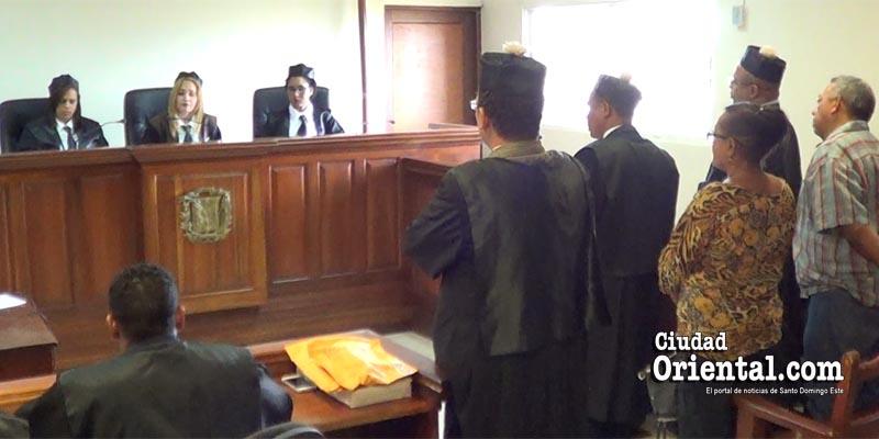 Photo of Vídeo – El dueño de La Tablita es abandonado por sus testigos