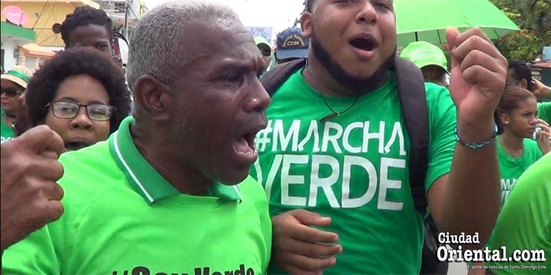 """Photo of Vídeo – ¿Cómo una """"burra inteligente"""" fue a la #marchaverde de SPM?"""