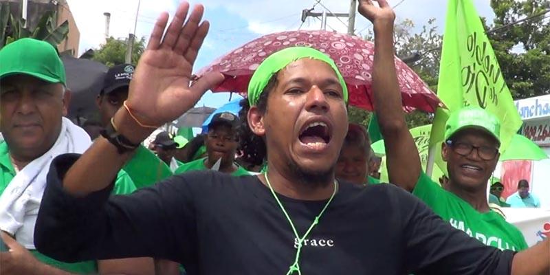 """Photo of Vídeo – Los verdes van a por """"la cabeza"""" de Danilo Medina"""