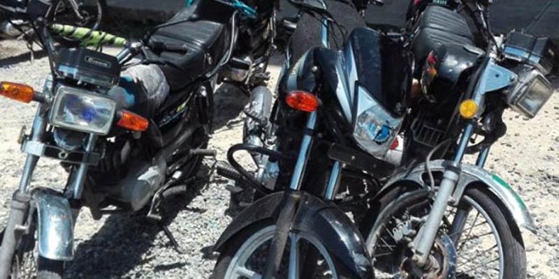 Photo of PN en SDE desmantela banda, ocupa armas y recupera motocicletas