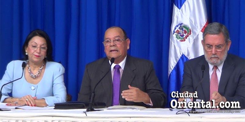 Photo of ¿Qué tan cierta es esta lección de economía que da Carlos Segura Foster? + Vídeo