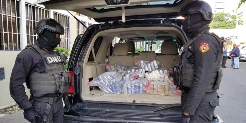 Photo of Autoridades decomisan 111 paquetes de cocaína en Mandinga