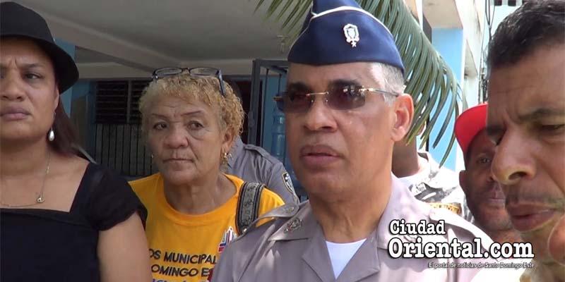 """Photo of ¿Qué le dijo el general Neivis Pérez Sánchez a estos comunitarios de SDE tras el asesinato de un """"aéreo""""? + Vídeo"""