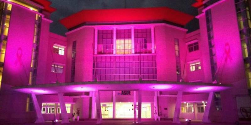 Photo of Iluminan de rosa el Palacio Municipal SDE por el Mes de Sensibilización Cáncer de Mama