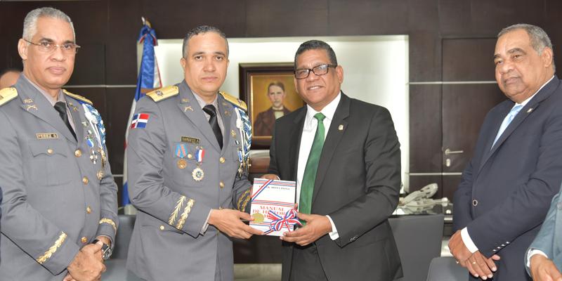 Photo of Rubén Maldonado recibe visita de cortesía Director de la Policía Nacional