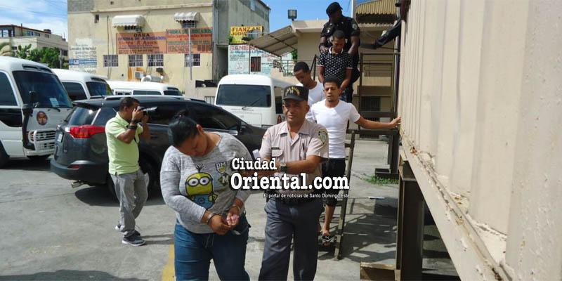 Photo of Imponen un año de prisión preventiva a implicados asesinato policía y su hijo