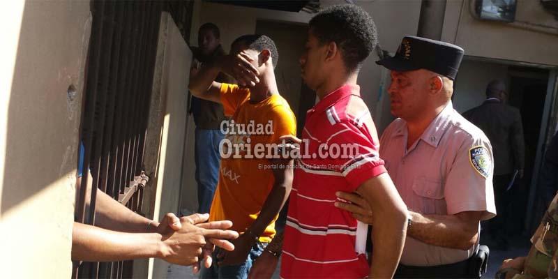 Photo of Comparecen ante un juez imputados asesinar a policía y su hijo en Los Guaricanos
