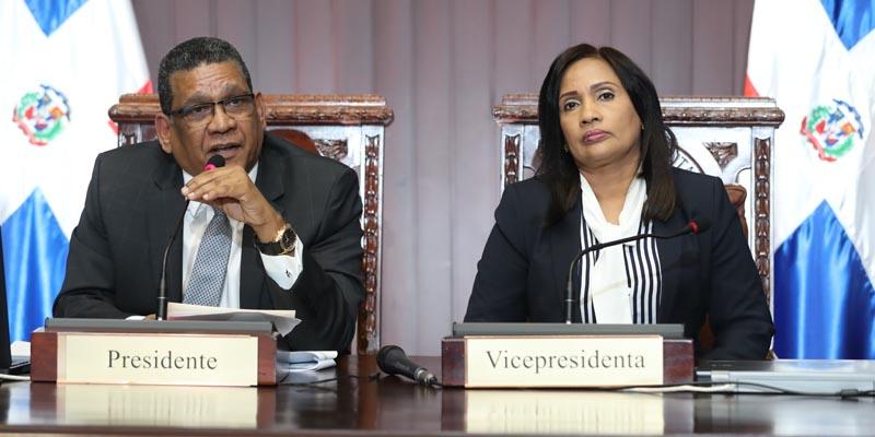 Photo of Diputados aprueban en dos sesiones proyecto de ley que prohíbe el uso de la Hookah
