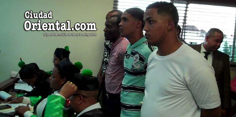 Photo of Distribuyen 80 años de prisión a cuatro hombres mataron policía en drink de Los Alcarrizos +Videos