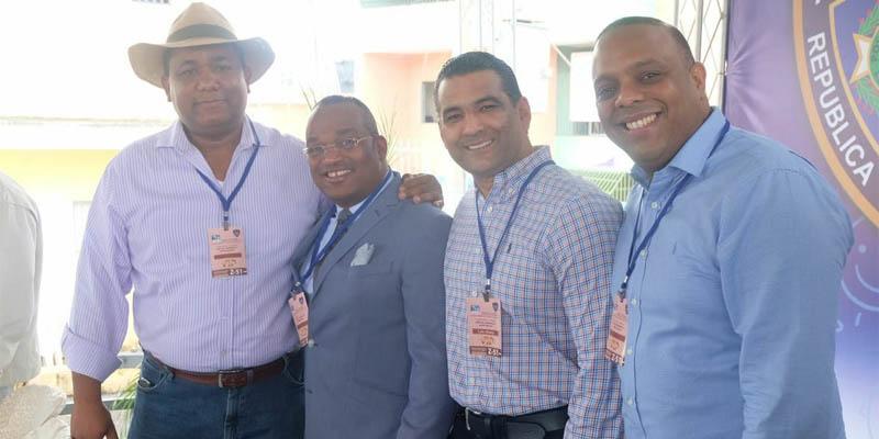 De izquierda a derecha, Victor Minaya, Domingo Barett, Luis Alberto Tejeda y Luis Henriquez.