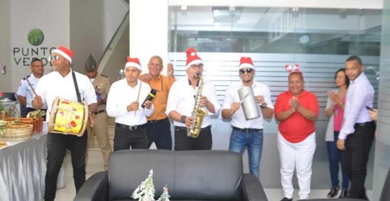 Photo of Aguinaldo y celebración de las navidades en el IDAC