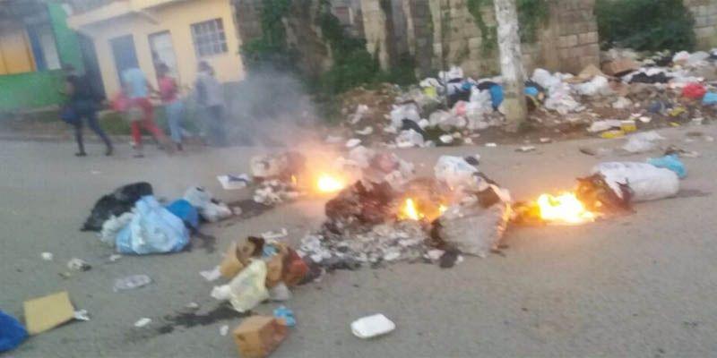 Photo of Inicia paro en Brisas del Este en reclamo reparación de las calles