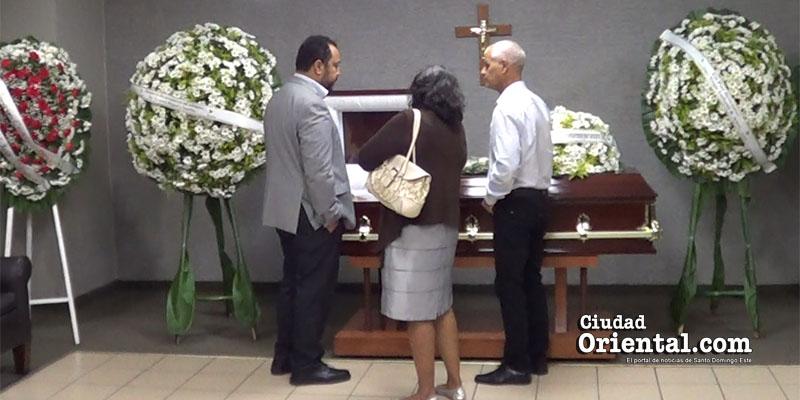 Photo of El cortejo fúnebre de la madre de Miguel Ortega parte desde la funeraria a las 2.00 pm