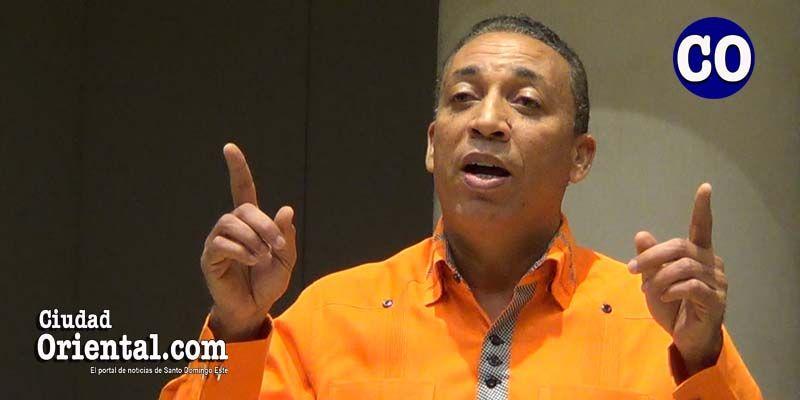 Photo of Regidor César Fortuna urge enfrentar invasión de RD por haitianos y venezolanos