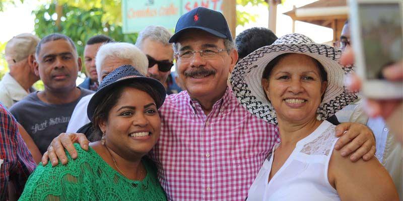 Photo of Danilo proclama avances en el campo y decisión de convertirlo en motor progreso de los más pobres