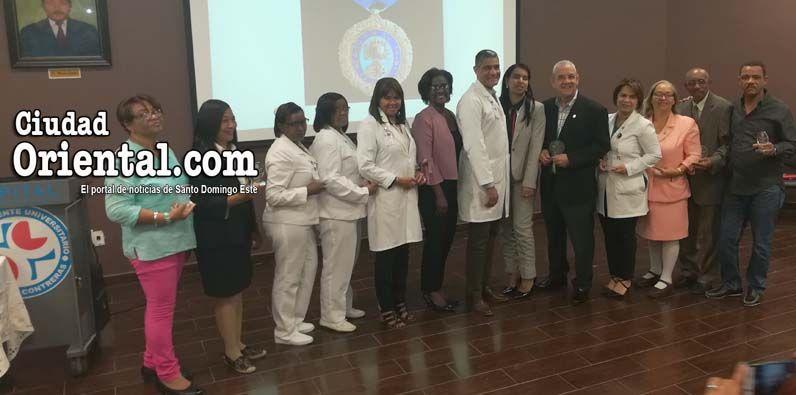 Photo of Hospital Darío Contreras reconoce empleados con más 25 años de servicio