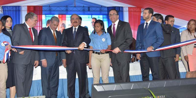 Photo of Presidente Medina entrega nuevos centros educativos en Espaillat