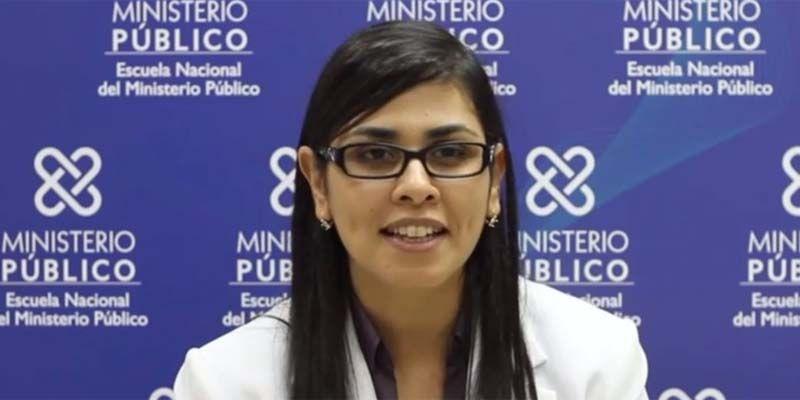 """Photo of Considera """"poco merecido"""" declaratoria Olga Diná Llaverías como """"Hija Adoptiva y Meritoria"""" de SDE"""