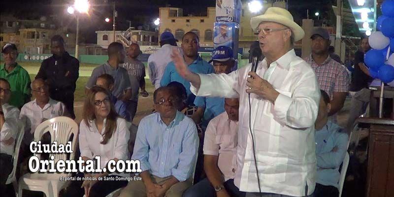 """Photo of Hipólito Mejía reta a Chú Vasquez y su grupo a """"mojarse el trasero"""" + Vídeo"""
