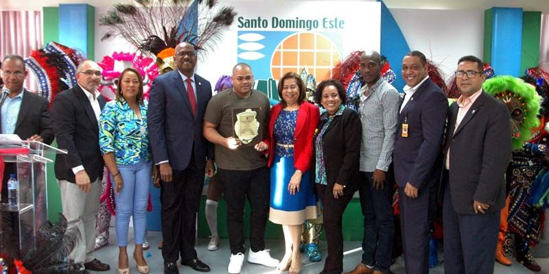 Photo of ASDE premia a ganadores del Carnaval Santo Domingo Este 2018