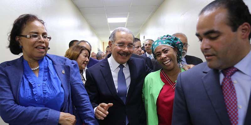"""Photo of Danilo Medina: """"Ahora tendremos hospitales de calidad para que la gente sea atendida con dignidad"""""""