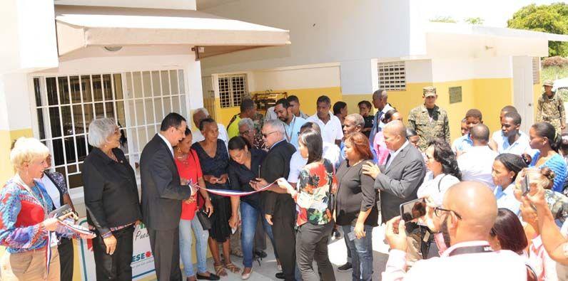 Photo of PROMESE/CAL inaugura Farmacia del Pueblo en Tierra Nueva, Jimaní