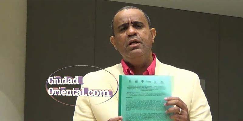 """Photo of Danilo Mesa denuncia Alfredo Martínez usa a los regidores """"como trapos de cocina"""" + Vídeo"""
