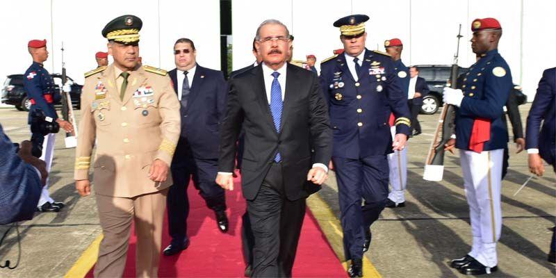 Photo of Danilo Medina viaja a Costa Rica para asistir a transmisión mando presidencial de Carlos Alvarado