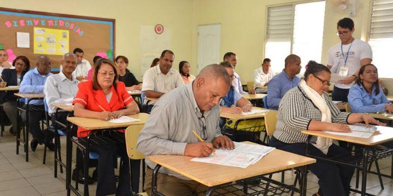 Photo of Navarro invita docentes a registrarse y participar en última fase de evaluación del desempeño