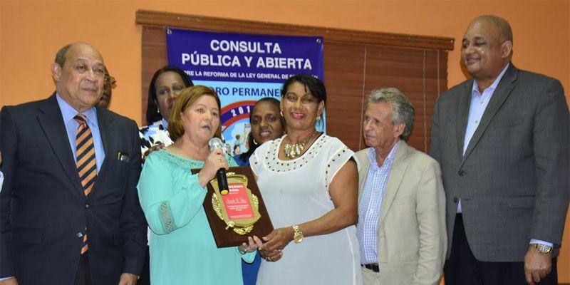 Photo of Abogan por eliminación pruebas nacionales y aprovechar tanda extendida para elevar calidad educación