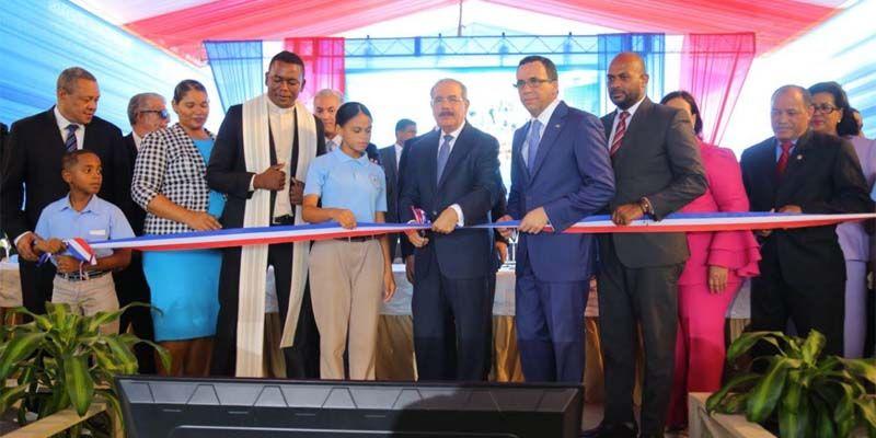 Photo of Presidente Danilo Medina entrega nuevo liceo en SDE