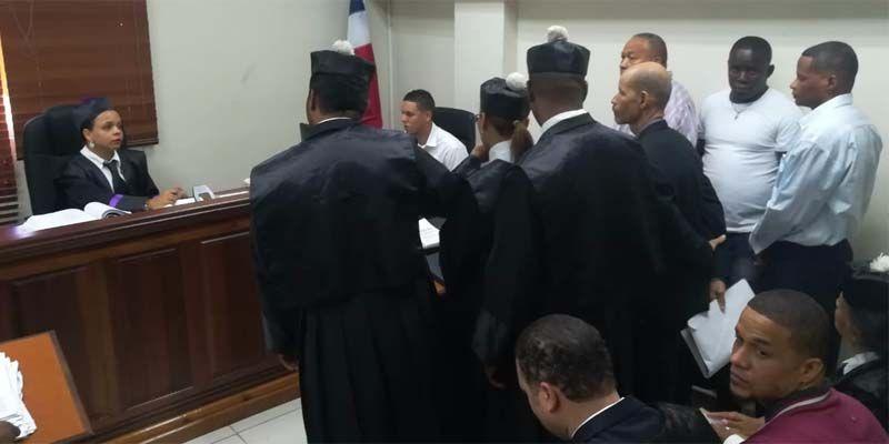 Photo of Por segunda vez aplazado juicio preliminar al pastor Julio Gómez y otros cinco imputados de homicidio