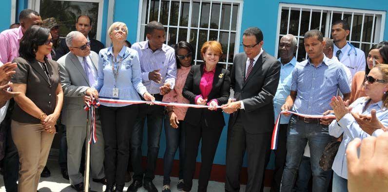 Photo of Inaugurada Farmacia del Pueblo en San Juan de La Maguana y Monseñor Nouel